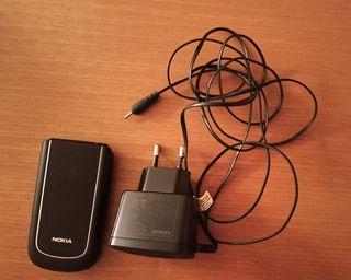Nokia 3710 fold con cargador y funda