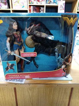 Muñeca Wonder Woman con caballo
