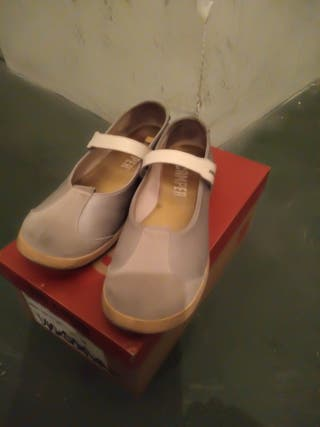 Zapatos Camper de segunda mano por 25 € en Zaragoza en WALLAPOP