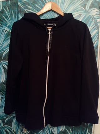 Sudadera chaqueta chándal negra con cremallera