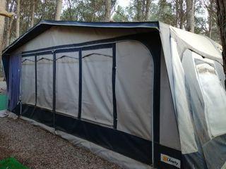 caravana fija en camping el temple