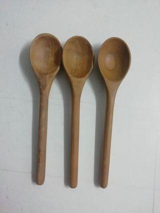 Juego de 13 cucharas de madera de olivo