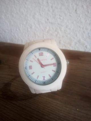 reloj blanco flamenco