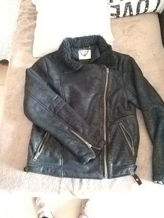 chaqueta sintética con borrego calentita