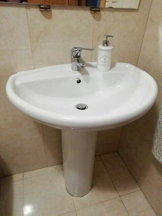 lavabo marca Roca