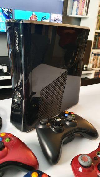 Xbox 360 Slim 320GB con extras