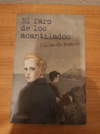 """LIBRO """"EL FARO DE LOS ACANTILADOS"""""""