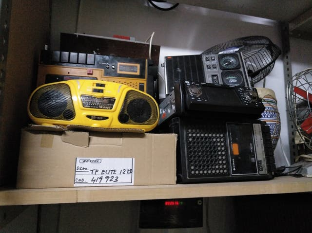 lote de aparatos de radios antiguas