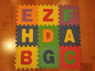 Alfombra puzzle letras gomaespuma