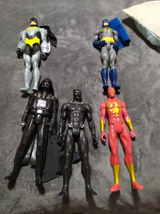 muñecos super heroes