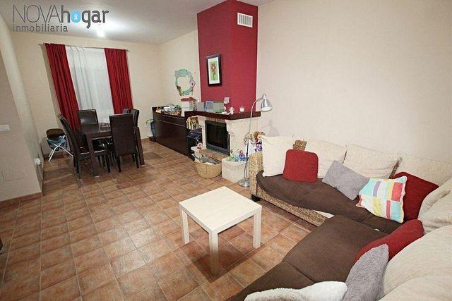 Casa adosada en venta en Pizarra (Pizarra, Málaga)