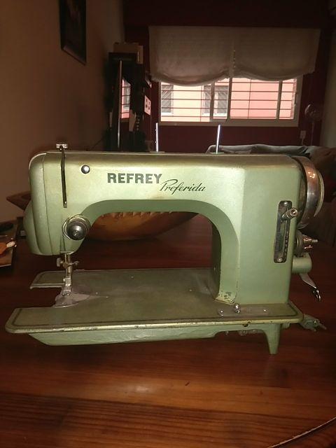 Maquina de coser Refrey Preferida de segunda mano por 30