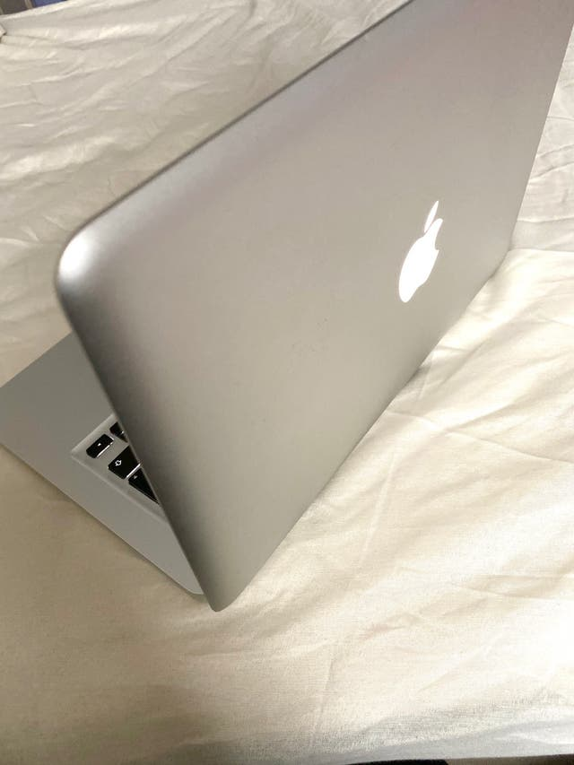 MACBOOK PRO, EXCELLENT CONDITION!!