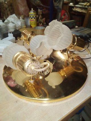 Lámpara de techo dorada