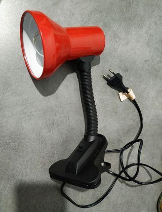 Lámpara flexo con pinza