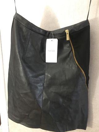 Falda nueva con etiqueta