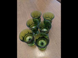 Copas de cristal verde