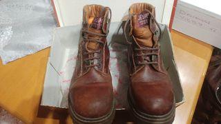 Botas de piel (42)