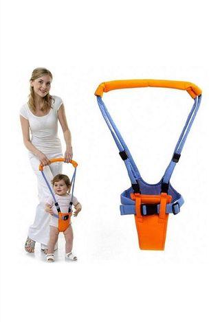 Arnes para aprender andar bebe.