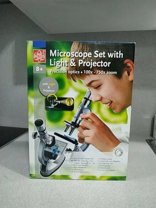 microscopio con luz