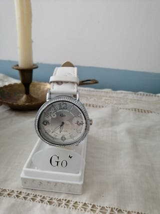 reloj de pulsera marca Go