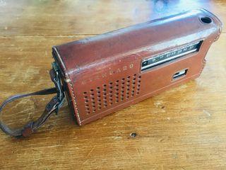 Radio portátil Standard transistor 6 vintage