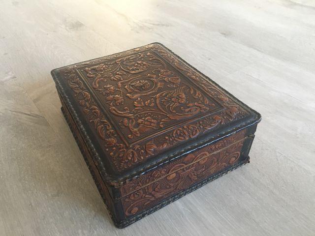 Caixa de tabac antiga de pell
