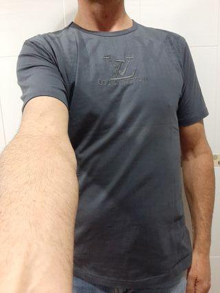 Camiseta Louis Vuitton.