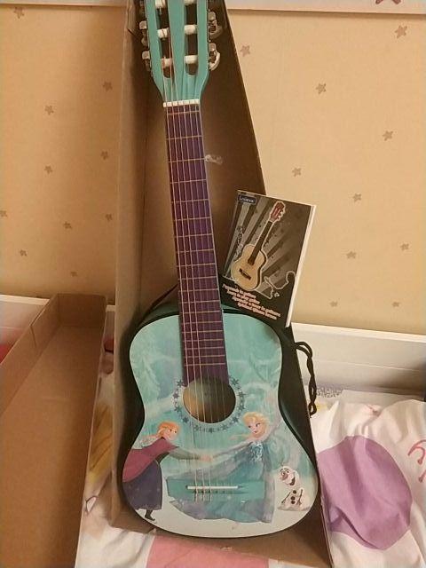 Guitarra Frozen