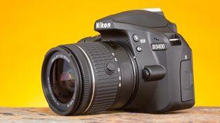 Nikon D3400 como nueva con dos objetivos