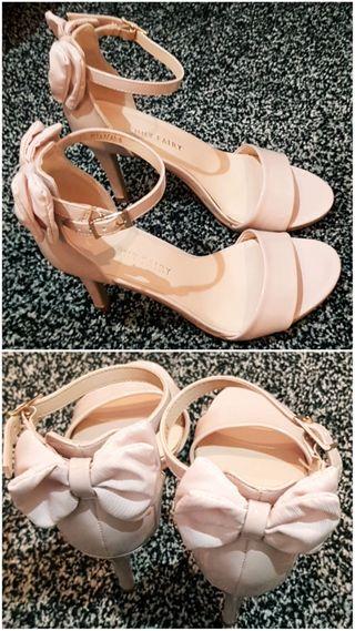 Ankle stripe heels