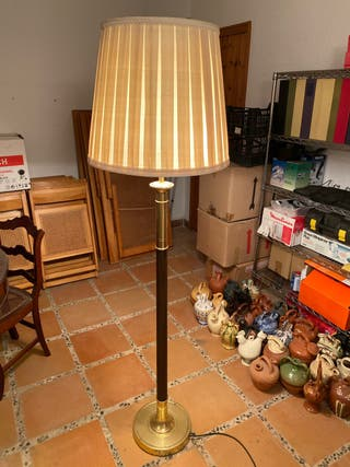 Lámpara de pie antigua