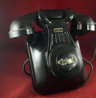 Antiguo teléfono español Standard Eléctrica, CTNE.
