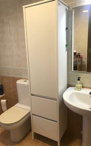 Mueble de baño muy espacioso