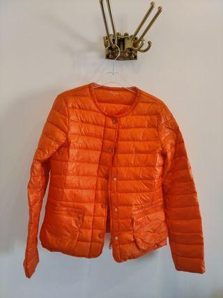 plumífero naranja