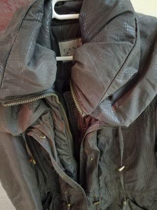 Abrigo marrón acolchado
