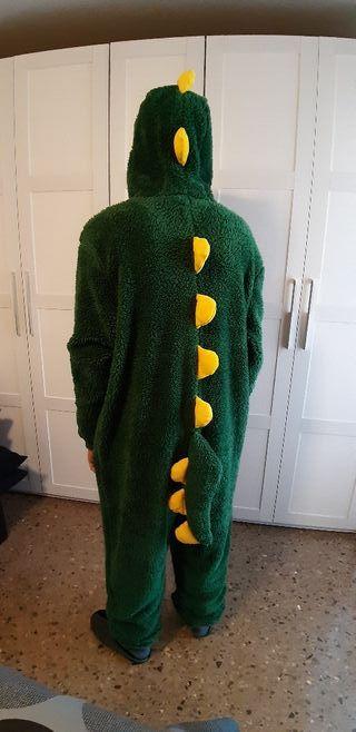 Pijama-disfraf calentito dinosaurio.