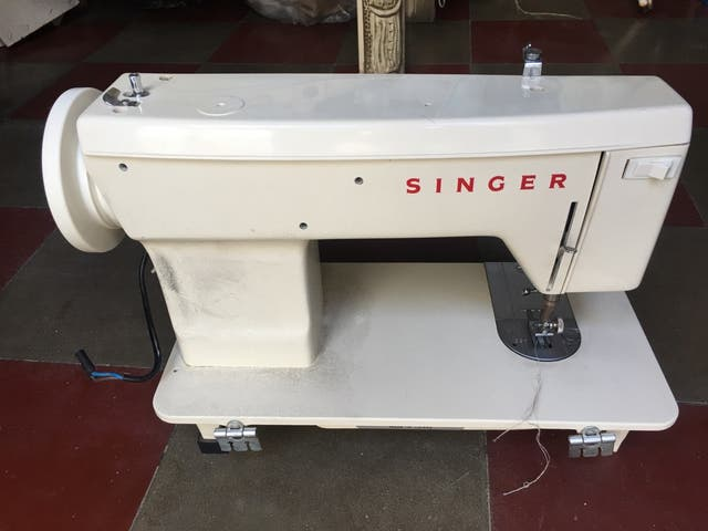 Máquina de coser singer 1247 de segunda mano por 20 € en