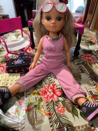 Muñeca Nancy tocador,silla y maletín