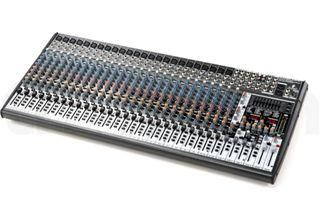 Mesa de mezclas Behringer SX3242FX + Flight CASE