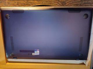 Asus Zenbook UX433 FN Intel i7, 512 SSD, 16gb ram
