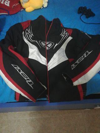 chaqueta de moto chica