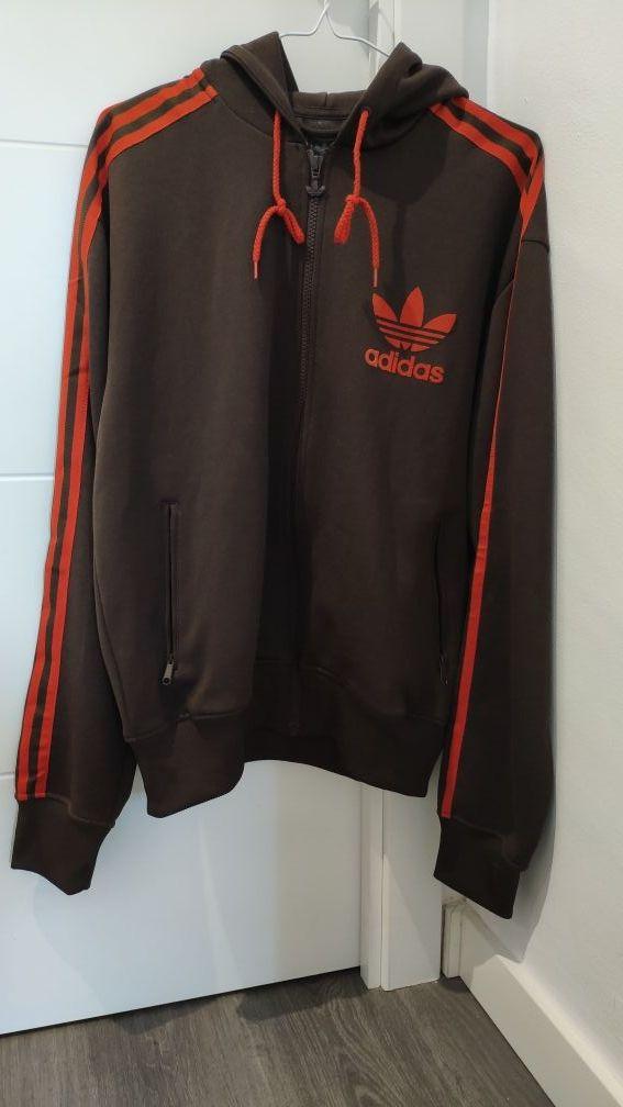 aves de corral alumno infinito  Chaqueta fina Adidas Originals talla M marrón de segunda mano por 25 € en  Palma de Mallorca en WALLAPOP