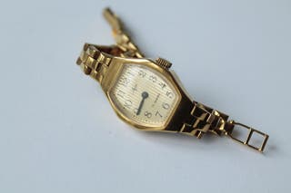 reloj vintage de pulsera LUCH