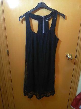 Vestido negro de encaje nuevo talla M