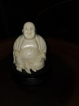 Buda antiguo Marfil