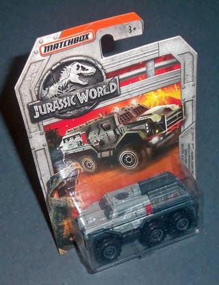 Vehículo Blindado 6x6 Jurassic World MATCHBOX 1/64