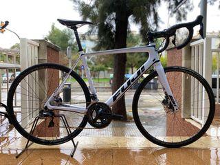 Bicicleta Fuji SL disc talla 57