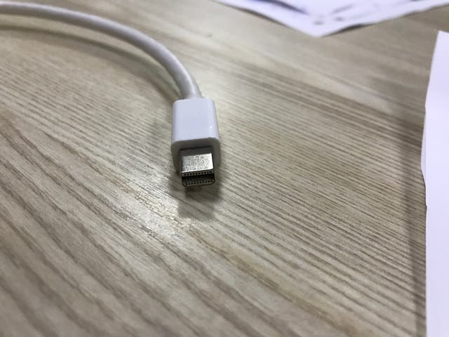 Apple thunderbold vga