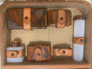 Neceser maletin de cuero antiguo